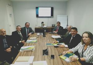 Da esquerda para direita):  Dr. Fábio Leite Gastal (UNIMED), Dr. Paulo Brandão (SBAC), Dr. Francisco Eduardo Wisneski, (ABRAMGE), - Dr. Cláudio José Allgayer (CNS), Dr. Ivo Garcia do Nascimento (FBH), Dr. José Luiz Spigolon (CMB), Dra. Verá Lúcia Sampaio (FENASAÚDE)